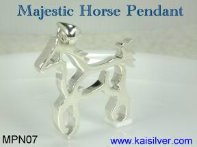 men's pendant horse